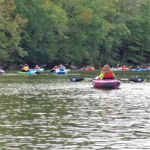 School Group paddling on the Duck River